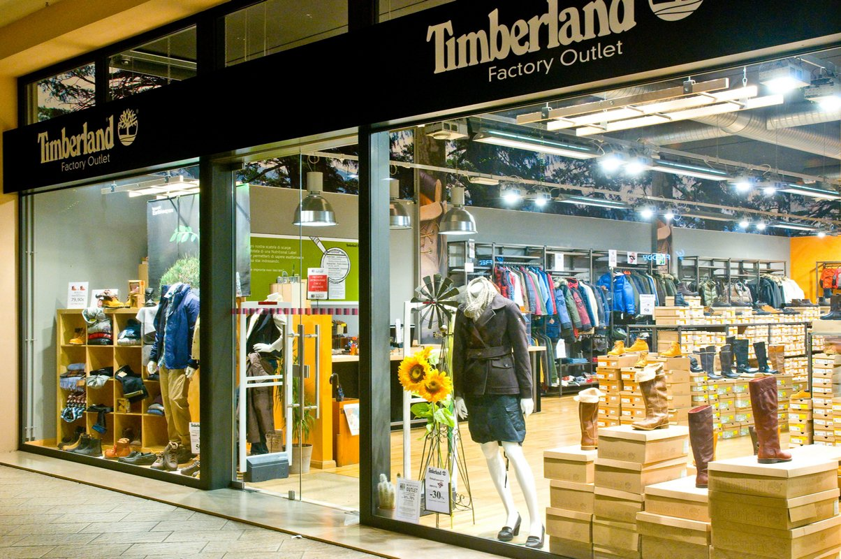 Timberland Factory Store For three generations Timberland has built a reputation for making rugged outdoor gear. Shop Timberland for boots, shoes, clothing & accessories.